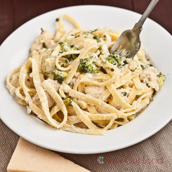 Cheesy Chicken Fettuccine Alfredo 2