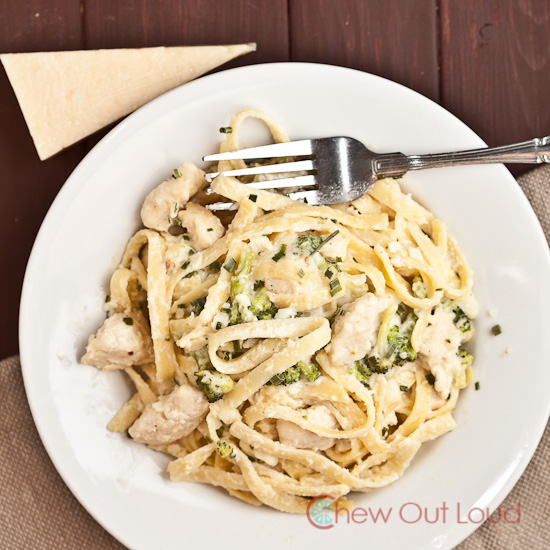 Cheesy Fettuccini Alfredo with Chicken