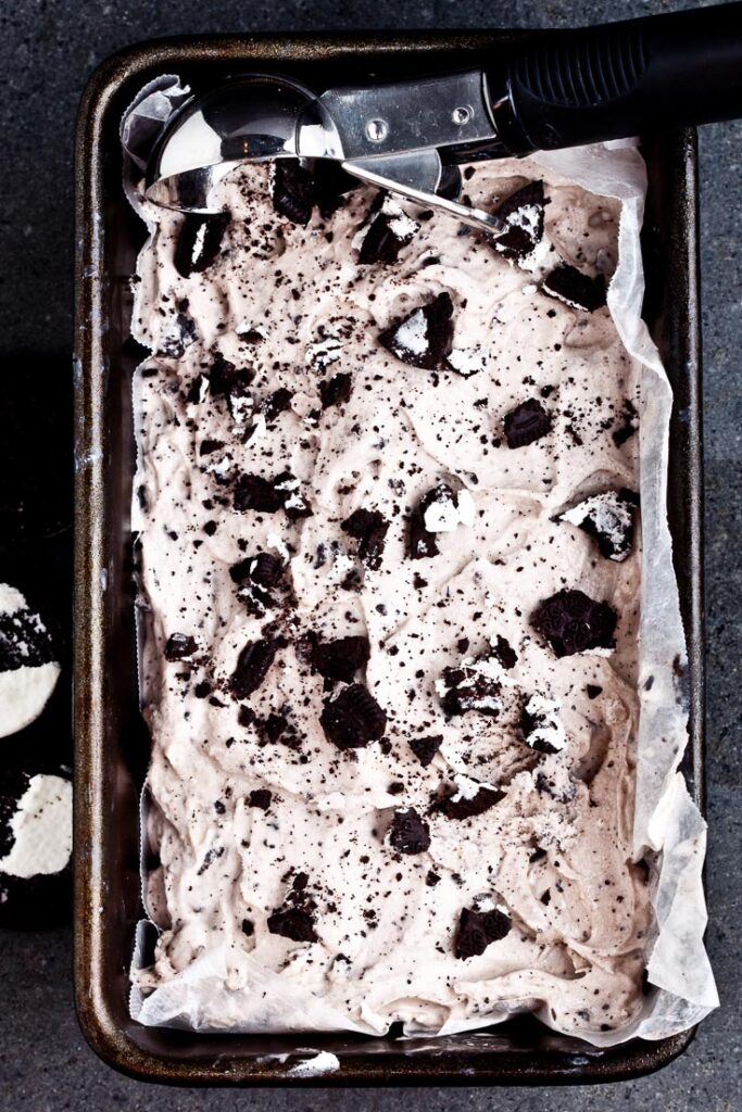 cookies and cream ice cream in rectangular bowl