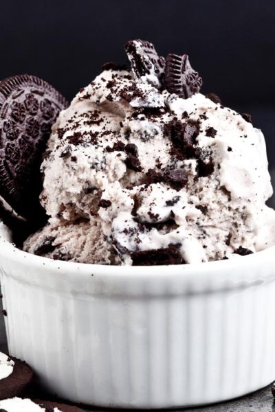 cookies and cream ice cream in white bowl