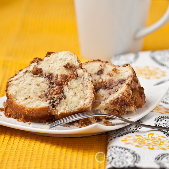 cinnamon coffee cake with sour cream