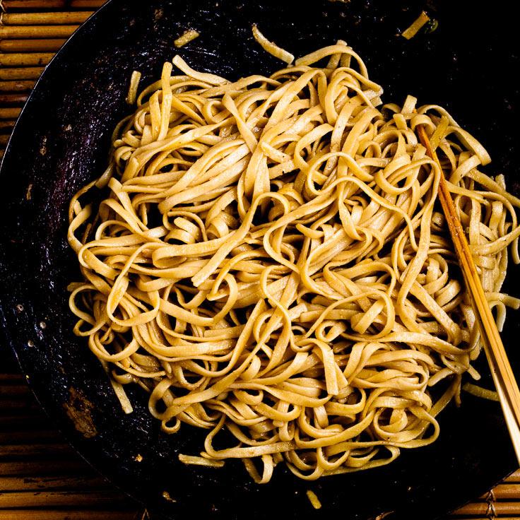 Chicken Lo Mein Noodles in wok