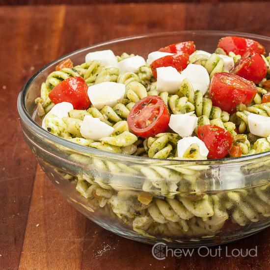 Caprese Pasta Salad Meatless