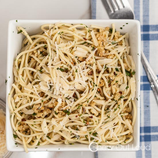 30-min spaghetti with garlic and olive oil