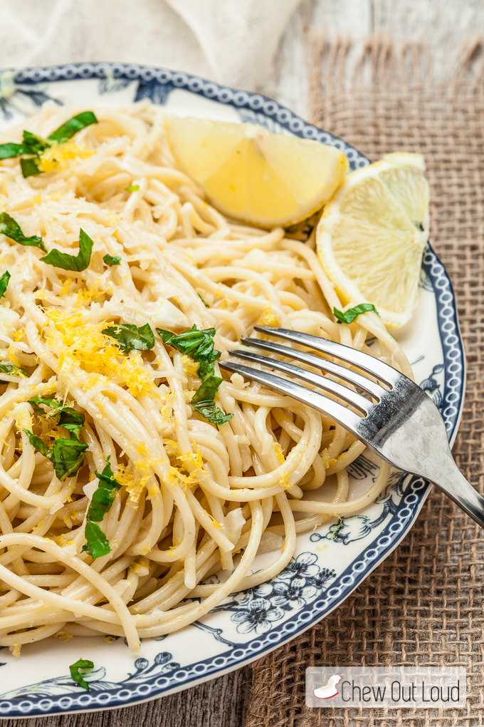 Spaghetti with Lemon and Olive Oil (al Limone) - Chew Out Loud