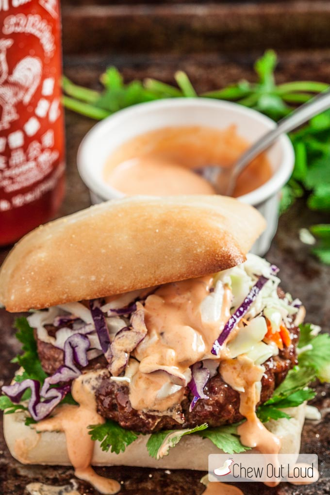 asian-burger-with-sriracha-mayo-3