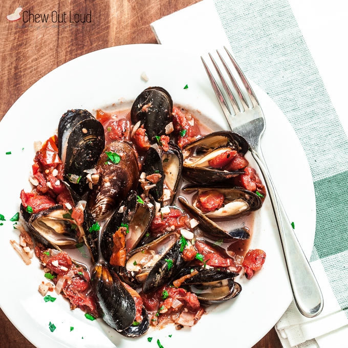 healthy mussels with garlic and tomatoes 2