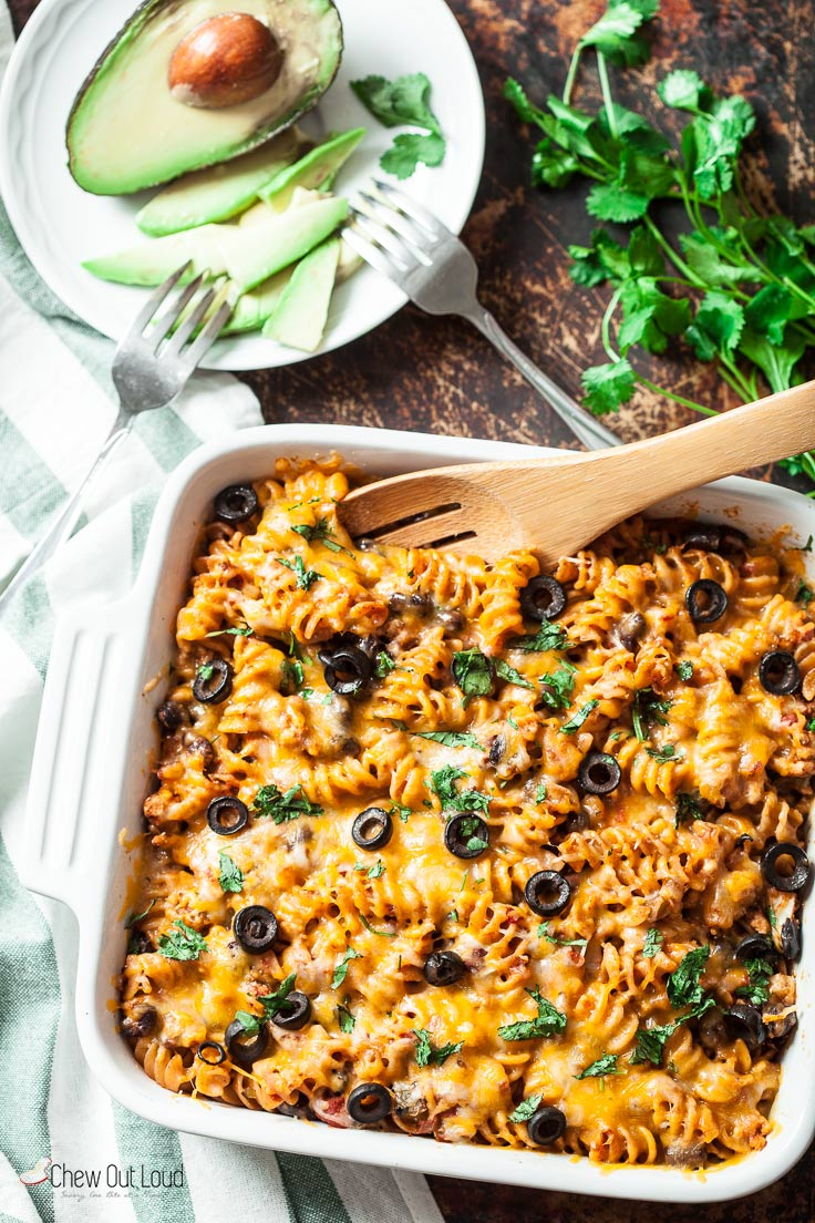 25-Minute Healthy Mexican Pasta Bake 2