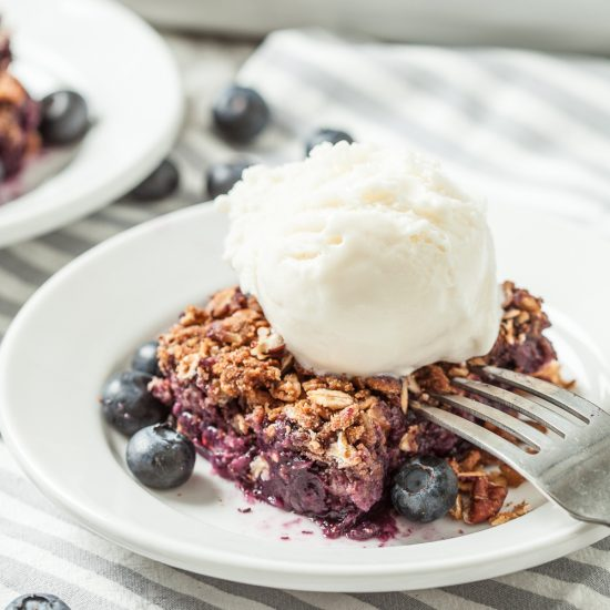 skinny blueberry crumble