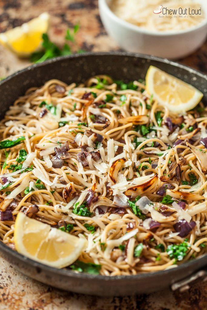 spaghetti aglio e olio pasta aglio e olio recipe