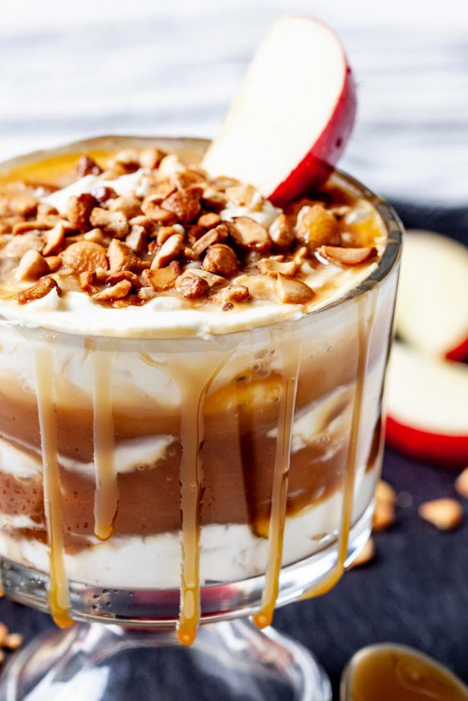 caramel apple cheesecake dip, apple dip, caramel dip