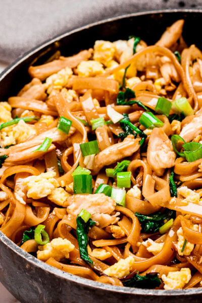 Thai Noodles Pad See Ew in pan