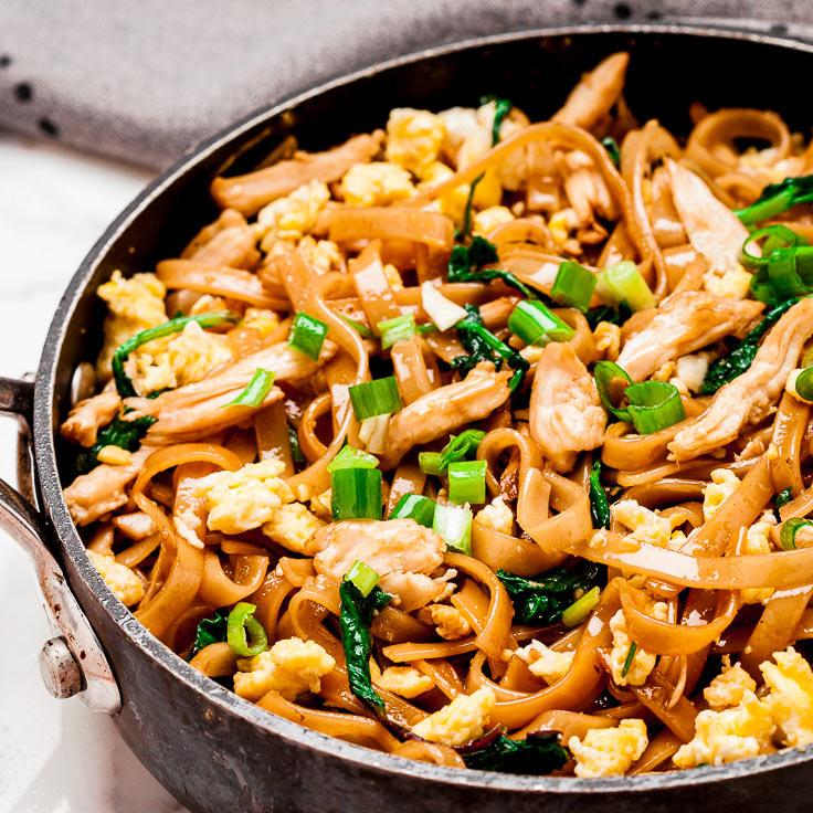Thai Noodles Pad See Ew in pan
